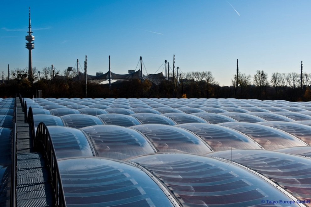 Etfe Fluorothermoplastic Roof Supports 50 T Of Snow And