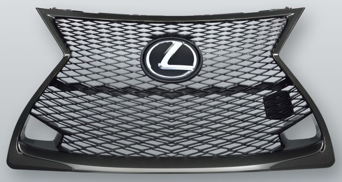 Lacquer black plating used on the external frame of the Lexus RC F radiator grille