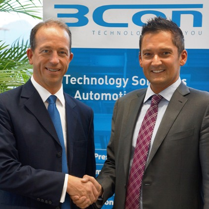 Nicolas Beyl, President of the Reaction Process Machinery segment of the KraussMaffei Group, and Hannes Auer, CEO and founder of 3CON (from left to right)