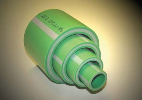 Glass fibre reinforced PP-R pipes with a layer thickness distribution of 25-50-25