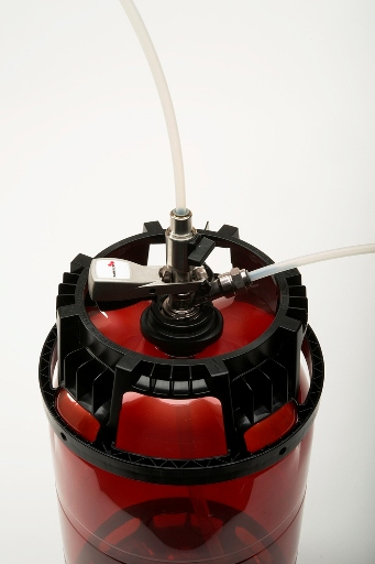 PET beer keg with valve system