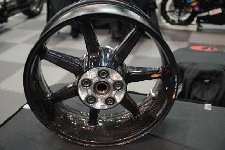 carbon motorcycle wheel