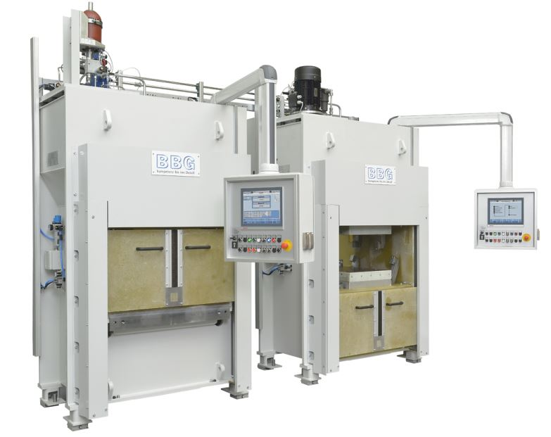 For the manufacturing of CFRP window frames, BBG in a first step supplies ACE with two BFT-C mold carrier systems as a press, an in-mold turning unit and a demolding unit (Photo: BBG GmbH & Co. KG).