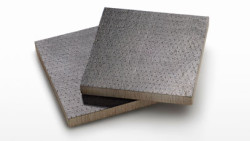 Composite laminate with lignin