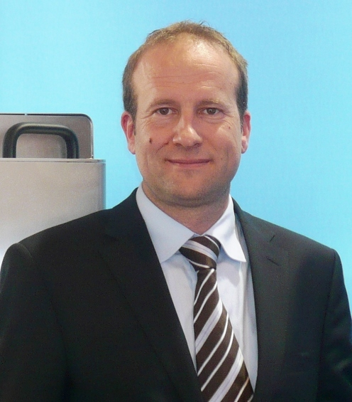 """Bernhard Stipsits, managing director of Blue Air Systems: """"The DMS units from Blue Air Systems guarantee condensation-free production conditions in a closed system, even when using very low chilled water temperatures for the moulds throughout the year, making you independent from ambient climatic weather conditions. The MPSCS (Micro Processor Controlled Segment Condensation) technology provides controlled parameters at all times, making sure the optimal energetic conditions are automatically adjusted. What you get is higher productivity and constant product quality in the production process at lowest possible energy consumption. It's time to start reducing our ecological foot print and the DMS is a huge step in this direction!"""""""