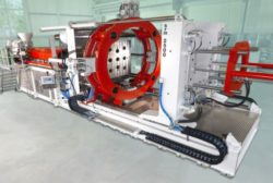 Ettlinger injection molding machine